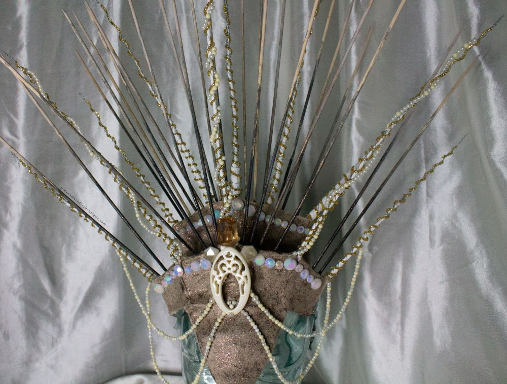 Queen_Headdress-Detail